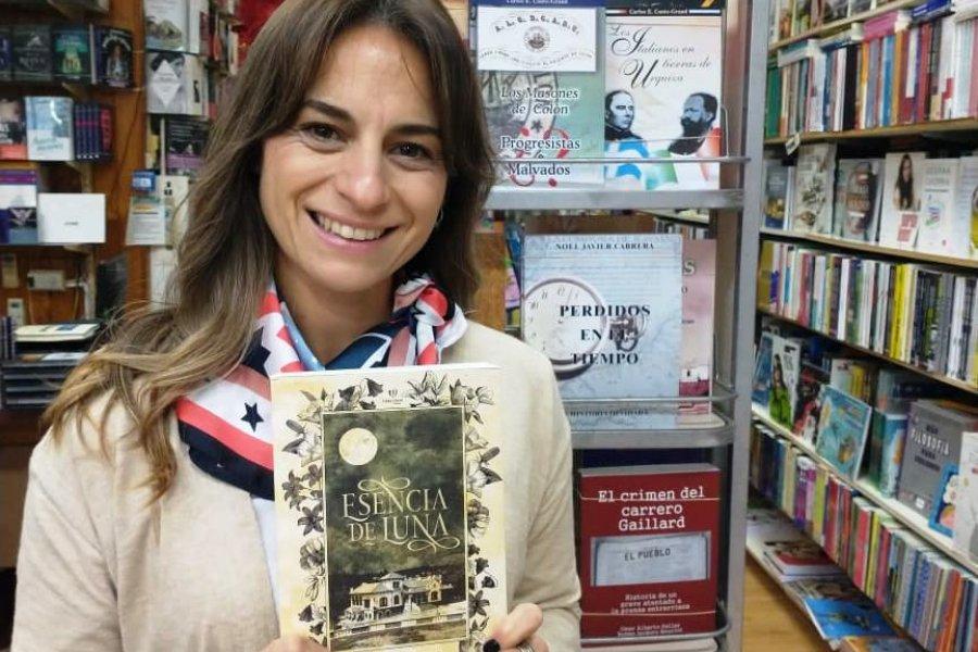Pamela Medina en Librería Bertoldi de Colón.